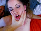 Vidéo porno mobile : For her first scene, she shows herself to be a real slut